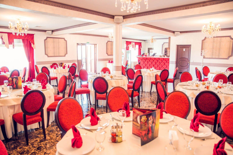 Decor sala restaurant Equinoxe Royal Reghin