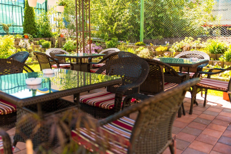 Terasa gradina restaurant - pensiune Equinoxe Royal Reghin